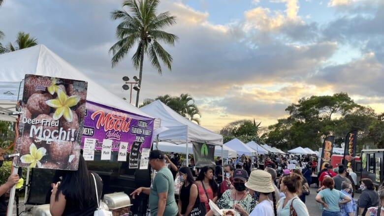 【ハワイ現地からお届け!】ローカルファミリーで賑わう「パールカントリークラブ」で開催のナイトマーケット!