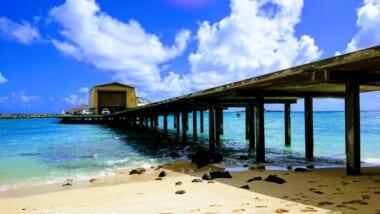 桟橋の下が絶景スポット!ハワイの「MAKAI RESEARCH PIER/マカイ・リサーチ・ピア」をご紹介